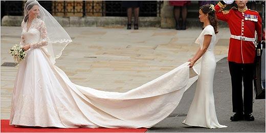 Álbum especial mostra detalhes do aguardado vestido de noiva de Kate
