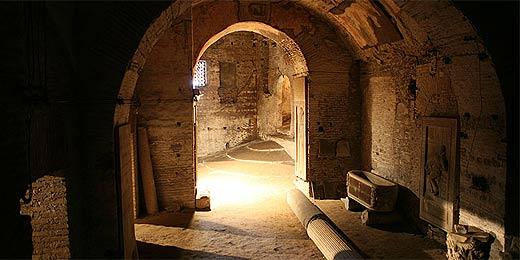 Cripta sob igreja S. Martino ai Monti é um dos segredos de Roma