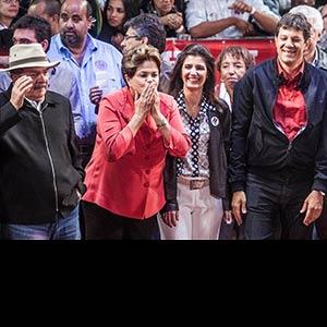 """Dilma rebate Serra e diz que """"está metendo o bico"""" em SP"""